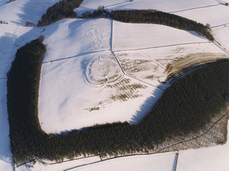 warden-hill-hillfort-aerial-snow