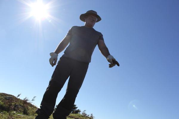 CdC Carlos pointing